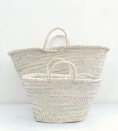 all white baskets - Mediterranean cottage accessories Market Baskets, Basket Bag, Towel Basket, Shades Of White, All White, Pure White, Coastal Style, Basket Weaving, Woven Baskets