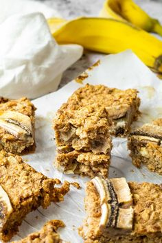 Learn how to make healthy vegan oat bars. These easy plant based breakfast bars are made with no oil and no refined sugar. Homemade Oat Squares with bananas. Healthy wfpb eating easy made. Great way to eat more oat recipes #veganoatbars #veganoats #veganbars #veganbreakfast #breakfastbars Oats Recipes, Vegan Dessert Recipes, Vegan Snacks, Vegan Recipes Easy, Whole Food Recipes, Dog Food Recipes, Snack Recipes, Banana Oatmeal Bars, Oatmeal With Fruit