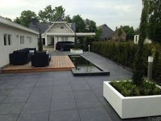 Tuin Met Tegels : 41 beste afbeeldingen van betontegels tuin inspiratie