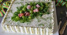 Aina on aihetta leipoa kakku. Cucumber Cream Cheese Sandwiches, Wedding Cake Toppers, Wedding Cakes, Veggie Quinoa Bowl, Meat Trays, Mini Burgers, Fish Salad, Sandwich Cake, Savoury Cake