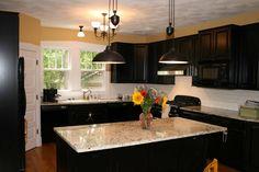 Black kitchen cabinets #DailyLifeBuff