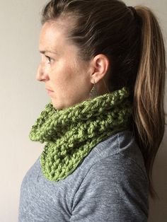 Chunky Crochet Cowl Scarf Infinity Scarf Circle Scarf Clover Green Winter Scarf…