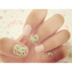 I love floral nails; they're so pretty...