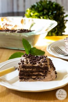 Easy Chocolate Pudding Icebox Cake   No bake recipe that goes together in minutes. Can be made a day ahead. Great for parties and gatherings!