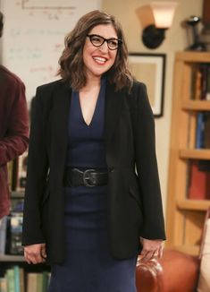 The Big Bang Theory's decision to conclude the series by giving Amy Farrah Fowler something of an extreme makeover served as one of the finale's biggest — and potentially controversial — surprises. Big Bang Theory Finale, Big Bang Theory Series, Big Bang Theory Funny, The Big Bang Theory, Big Bang Theory Characters, Amy Farrah Fowler, Tbbt, Leonard And Penny, Howard And Bernadette