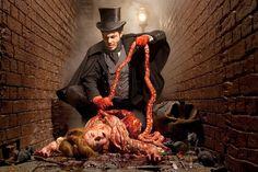"Joshua Hoffine, (el fotógrafo del terror) """"The American Joshua Hoffine is inspired by horror films to create the most chilling scenes. Horror Photography, Dark Photography, Themed Photography, Scary Movies, Horror Movies, Joshua Hoffine, Dark And Twisted, Creepy Art, Horror Art"