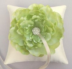 Ring bearer pillow - diy