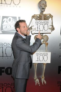 Red Carpet Photos: The 100 th Episode Celebration Lance Sweets, Tj Thyne, Booth And Bones, Celebrities, Red, Fictional Characters, Fonts, Celebs, Fantasy Characters