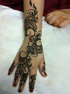Khaleeji Henna Designs for Hands Feet, Khaliji Mehndi 2018 2019 Arabic Henna Designs, Beautiful Henna Designs, Mehandi Designs, Tattoo Designs, Design Tattoos, Mehndi Art, Henna Mehndi, Henna Art, Mehendi