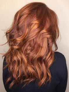 meche caramel, cheveux couleur acajou, mèches caramel sur cheveux rouges style april kapner dans grey's anatomy