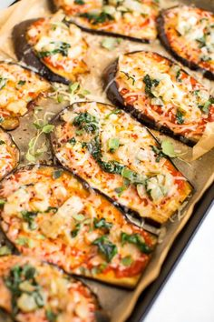 low carb eggplant pizza recipe that uses sliced eggplant as the crust instead of a carb heavy breaded crust. Tons of flavor and super simple to assemble, this recipe is gluten-free, vegetarian and vegan friendly. Veggie Recipes, Low Carb Recipes, Diet Recipes, Vegetarian Recipes, Cooking Recipes, Healthy Recipes, Cheese Recipes, Vegetarian Italian, Cheese Food