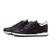 White Mountaineering WM1471827 WM x SAUCONY [SHADOW] ALL LEATHER SNEAKERS BLACK  #whitemountaineering #saucony #leather #sneaker #fashion