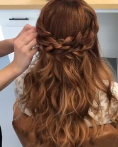 10 Outstanding Old Ladies Hairstyles Ideas Ideas Hairdo For Long Hair, Long Hair Video, Easy Hairstyles For Long Hair, Down Hairstyles, Prom Hairstyles, 1990 Hairstyles, Braided Wedding Hairstyles, Loose Hairstyle, Church Hairstyles