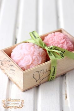 My gift to you , some lovely scented soaps. Wedding Welcome Gifts, Soap Display, Rose Soap, Bath Soap, Soap Packaging, Soap Recipes, Home Made Soap, Handmade Soaps, Soap Making