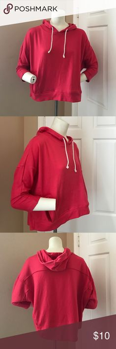 Cropped Hoodie Gently worn, good condition. Cropped loose fit hoodie. Two pockets. Great with leggings. Brand for exposure Forever 21 Tops Crop Tops