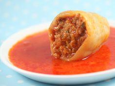 Ardei umpluti cu carne Veg Recipes, Cooking Recipes, Pepper Recipes, Hungarian Recipes, Hungarian Food, Romanian Food, Main Dishes, Oatmeal, Veggies