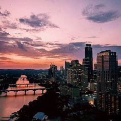 Early birds...#ATX #austin #Outlinethesky #RepYourCity Photo: @jtype