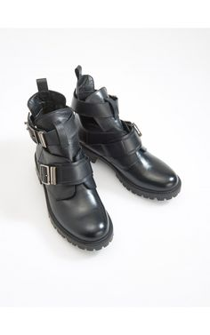 Leather boots with cuts, Shoes, black, RESERVED