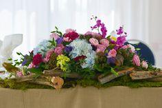 #receptionflowers#headtableflowers#weddingflowers#driftwood#orchids#hydrangeas#bradfordgreenhouses