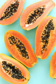 A wonderful fruit, a versatile friend in need for DIY skin remedies: Papaya is here to save the day! a cup mashed ripe papaya mixed with honey makes for a super face mask that lightens, brightens & removes a stubborn tan! Fruit And Veg, Fruits And Veggies, Fresh Fruit, Exotic Fruit, Tropical Fruits, Mango Fruta, Herbal Remedies, Natural Remedies, Papaya Recipes