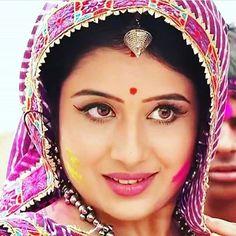 Tv Indian Tv Actress, Indian Actresses, Beautiful Girl Indian, Beautiful Bride, Saraswati Goddess, Indian Navel, Pakistani Girl, Royal Dresses, Married Woman