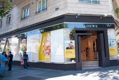 Loewe, tienda en calle Serrano. Uno de los grandes atractivos que Madrid ofrece a los turistas que buscan compras.