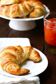 looks like a great recipe for homemade croissants. I've never made them before, but i think this is a must do for 2012