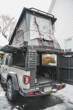 Jeep Cars, Jeep Truck, Truck Bed, Lifted Ford Trucks, Top Tents, Roof Top Tent, Jeep Gladiator, Toyota Tacoma, Toyota 4runner