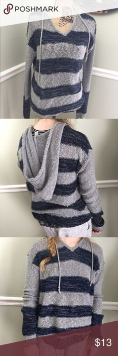 Forever 21 Sweater Super cute, oversized sweater by Forever 22. This sweater will look adorable when paired with your favorite denim. Forever 21 Sweaters