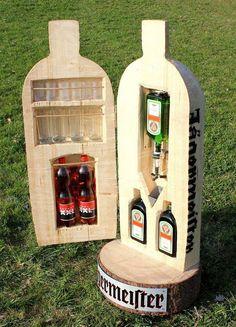 Jäger Storage Diy Home Bar, Bottle Cutting, This Is Love, Best Friend Gifts, Bottle Crafts, Cut Glass, Fun Games, Liquor, Christmas Crafts