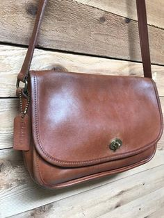 Vintage Coach City Bag Vtg Light Brown Leather Front Flap Crossbody Purse  Made in USA 9790 fa5fe64a2f