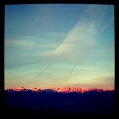 fantastica alba sulle #dolomiti di #Brenta in #trentino durante la settimana un'uscita per l'alba in #predaia vi aspetterà