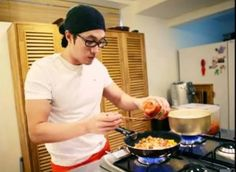Oh my word a man who can cook an d look good doing it! Yes that's right my Oppa!