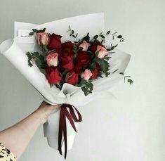 Red Flower Bouquet, Boquette Flowers, Luxury Flowers, Wedding Flowers, Yellow Flowers, Beautiful Flower Arrangements, Floral Arrangements, Amazing Flowers, Beautiful Flowers
