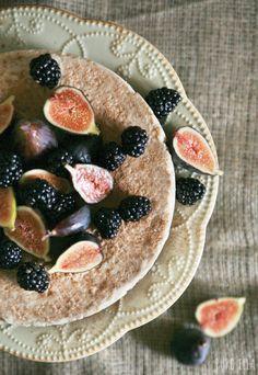 Raw Classic Vanilla Cheesecake : no-bake, vegan, gluten-free, paleo, refined sugar free | Pure Ella | www.pureella.com