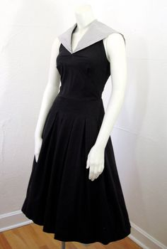 1950s vintage dress I was born in the wrong era.