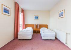 Book your room in the heart of Reykjavik today!  #hotelreykjavikcentrum #citycenterhotelreykjavik #besthotelsinreykjavik #hotelinreykjavik #besthotelinreykjavik #icelandhotelsreykjavik #fosshotelbaron