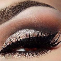 Eye make up- love the color shadow #GlitterEyeshadow