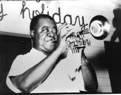 Before Snoop Dogg and Blue Rodeo, Muskoka's Kee to Bala music venue attracted Big Band names like Louis Armstrong, Duke Ellington, Dorsey brothe. Duke Ellington, Toronto Star, Louis Armstrong, Marilyn Monroe Photos, Snoop Dogg, Past, Stars, Art Reference, Past Tense
