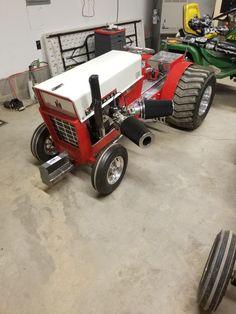 John Deere Decals, Cub Cadet Tractors, Garden Tractor Pulling, Hunting Jokes, Truck And Tractor Pull, Truck Pulls, Go Kart, Lawn And Garden, Lawn Mower