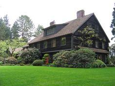 Portland,  Oregon home by Green Gables Design and Restoration