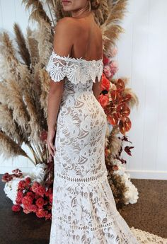 Wonderful Perfect Wedding Dress For The Bride Ideas. Ineffable Perfect Wedding Dress For The Bride Ideas. Perfect Wedding Dress, Dream Wedding Dresses, Wedding Gowns, Grace Loves Lace, Mod Wedding, Wedding Day, Lace Wedding, Wedding Ceremony, Elegant Wedding