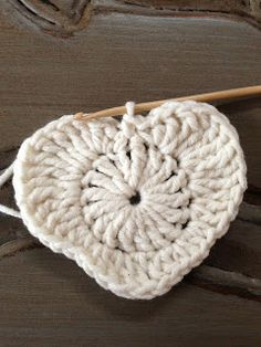 Annoos Crochet World: Valentine Heart Granny Square Free Pattern