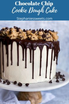 This chocolate chip cookie dough cake is amazing and easy to make. This moist 3 layer yellow cake has edible cookie dough and chocolate chip buttercream. Caramel Chocolate Chip Cookies, Mini Chocolate Chips, Chocolate Ganache, Yummy Snacks, Healthy Desserts, Delicious Desserts, Cookie Recipes, Keto Recipes, Dessert Recipes