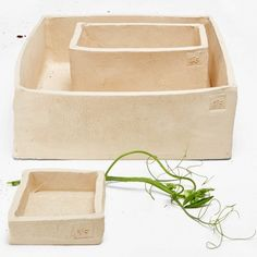 Flò Ceramic Trays Crafted in Italy from hand formed ceramic, each piece is born from the Japanese wabi-sabi aesthetic of imperfection.