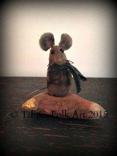 Candy Corn mouse E-Pattern Primitive Fall, Primitive Folk Art, Primitive Crafts, Primitive Christmas, Primitive Snowmen, Country Christmas, Christmas Christmas, Halloween Sewing, Halloween Quilts