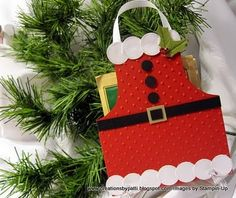 Santa Apron Treat Holder (would also be cute for a gift card holder)