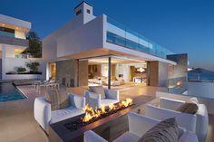Aus der Kategorie Traumhäuser: die Rockledge Residence in Laguna Beach, Kalifornien ist prädestiniert als Film-Location