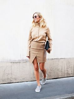 casual fall outfits: 3 Casual and Carefree Outfit Ideas for Fall via Skirt And Sneakers, Paris Mode, Skirts For Sale, Cheap Skirts, Street Style, Casual Fall Outfits, Winter Outfits, Wrap Sweater, Look Chic