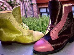 La imagen puede contener: calzado y botas